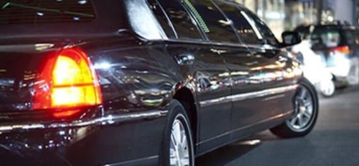 Lincoln Town Car Stretch – Quest Limos