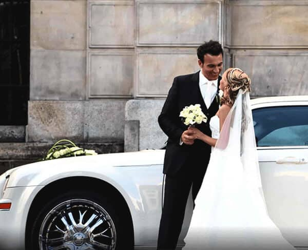 Vancouver wedding Limo Service by Quest Limos
